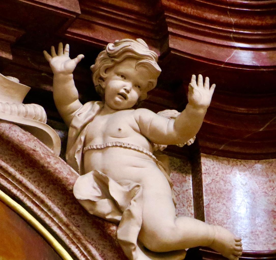 """Angel/cherub with """"jazz hands"""""""