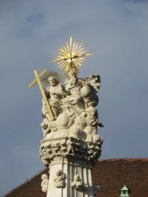 Fountain in front of Matthias